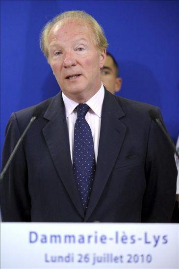 Francia deporta a un primer grupo de 79 gitanos a ruman a for Como se llama el ministro del interior