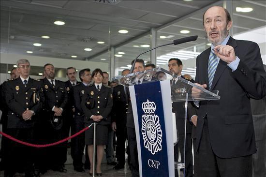 El ministro del interior alfredo p rez rubalcaba durante - Policia nacional cadiz ...