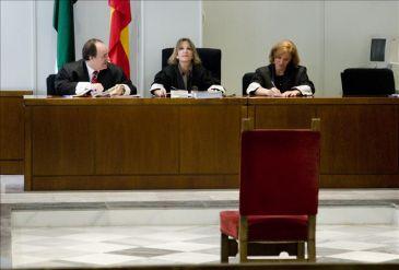 El juez deja libre al edil de masquefa y le proh be for Juzgados martorell