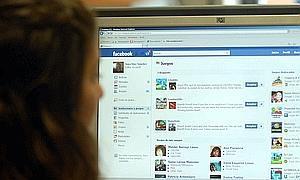 Las redes sociales tambi n fichan en la oficina qu es for Xxx en la oficina