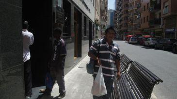 Lleida reparte comida a 423 temporeros que buscan trabajo for Oficina empleo lleida
