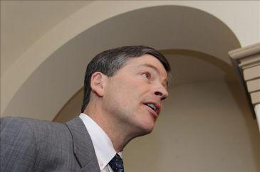 La oficina de presupuesto advierte sobre el abismo fiscal for Xxx en la oficina